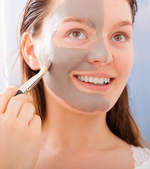 5 Best Homemade Skin Tightening Face Mask