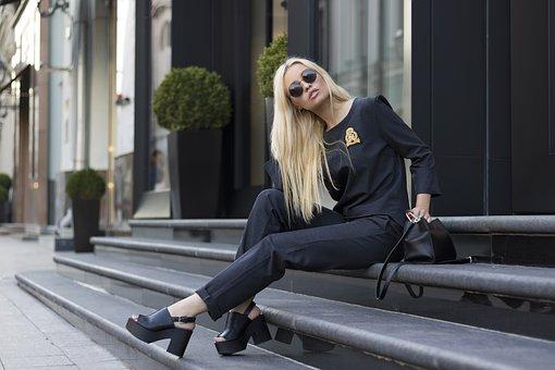 fashion-2766734__340 (1)