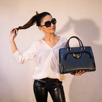 handbags-2251084__340