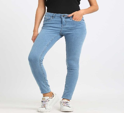 womwns blue jeans