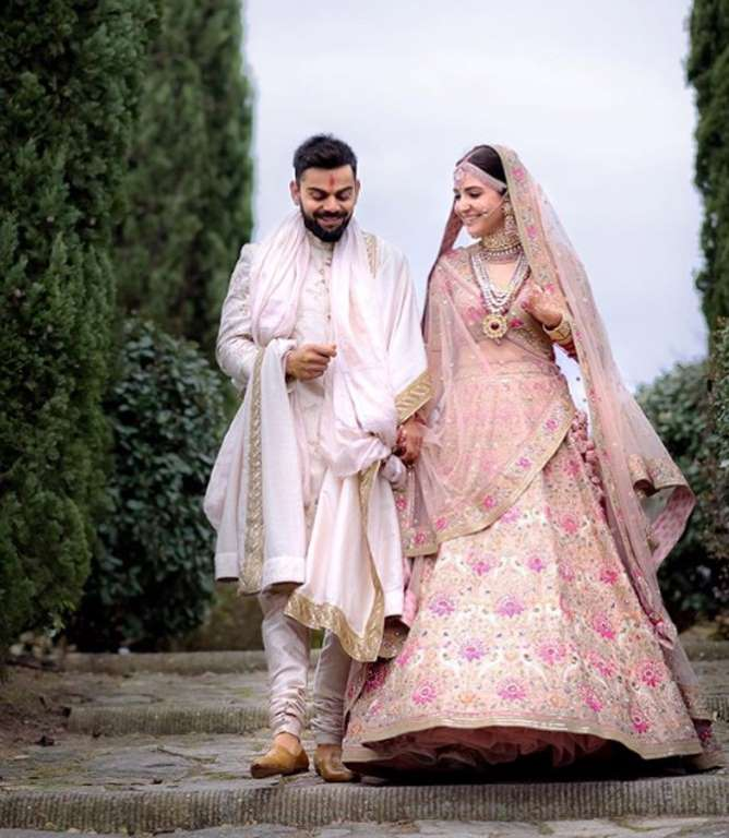 sabyasachi lehenga designs anushka wedding