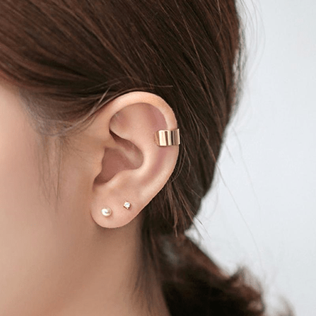 Want to know the difference between ear cuff and ear wrap