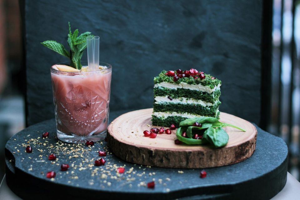 10 ways to make your cake healthy