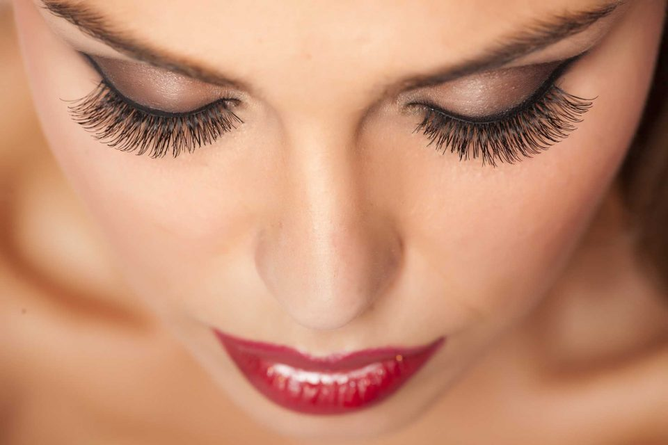 How Long Do Eyelash Extensions Last? And Other Questions Answered