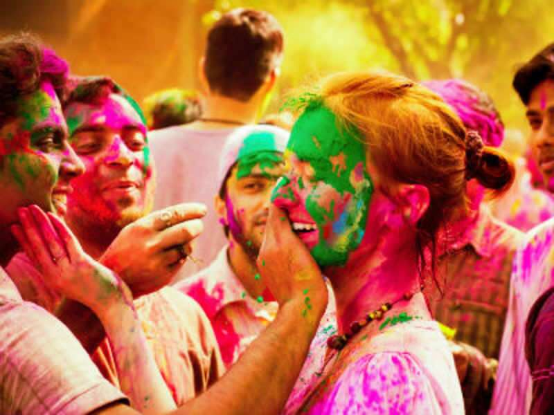 Holi 2016: Here are some amazing skin care & hair care