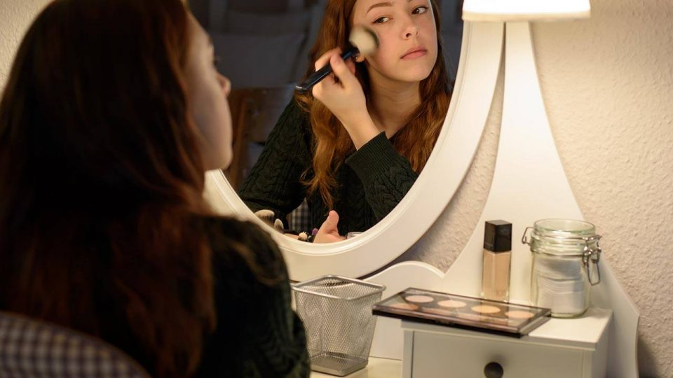 Beauty Basics: A Guide to Replacing Your Makeup at the Right Time