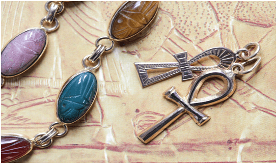 Symbolism-insilver-Egyptian-jewelry-