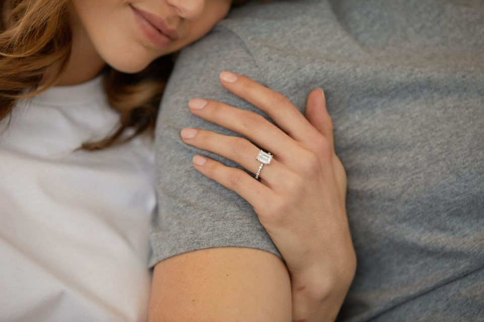 Best Carat Weight for a Diamond Engagement Ring