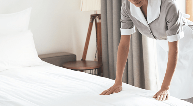 HOW TO REDUCE WRINKLES IN BED SHEETS WITHOUT IRONING