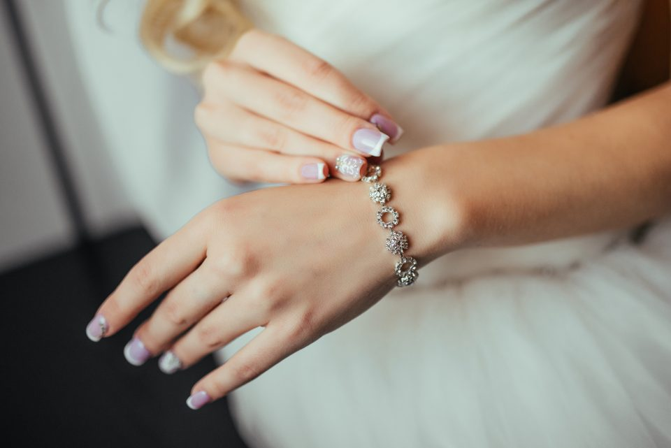How to Pick Out the Best Jewelry for Your Outfit