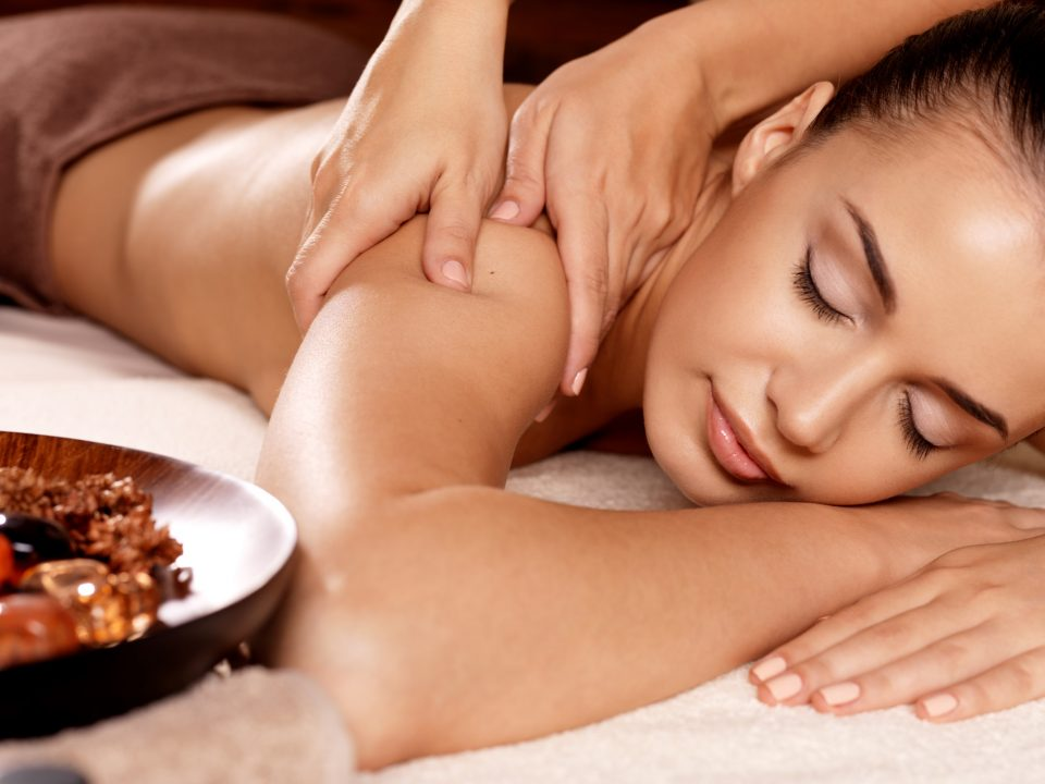How to Lymphatic Drainage Massage: 5 Tips and Tricks